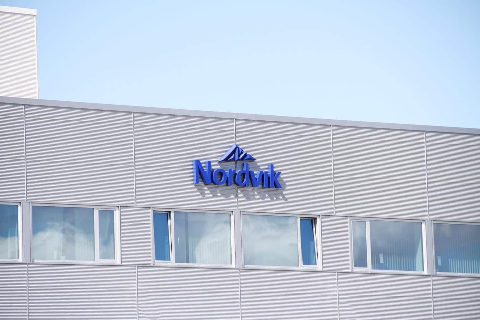 Bilde av fasaden til administrasjonsbygget til Nordvik Gruppen på Stormyra i Bodø