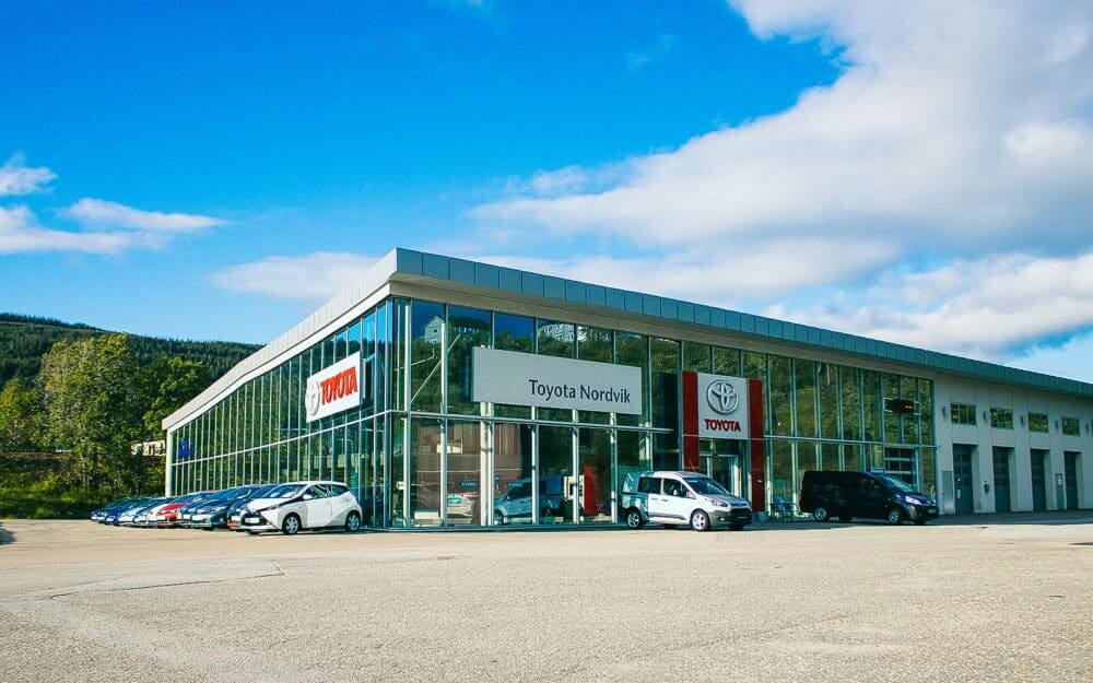 Fasade til Toyota forhandleren til Nordvik på Mo
